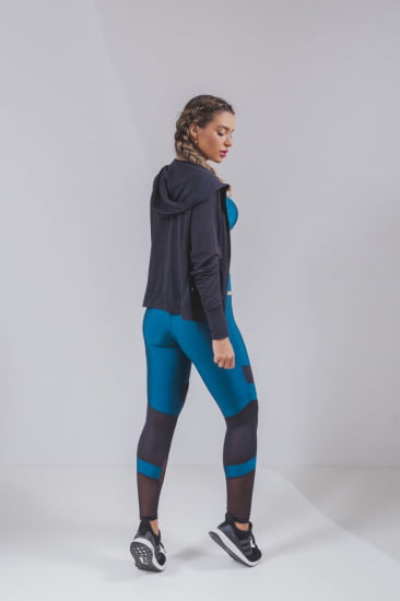 Trio fitness jaqueta preta, legging e top submarine